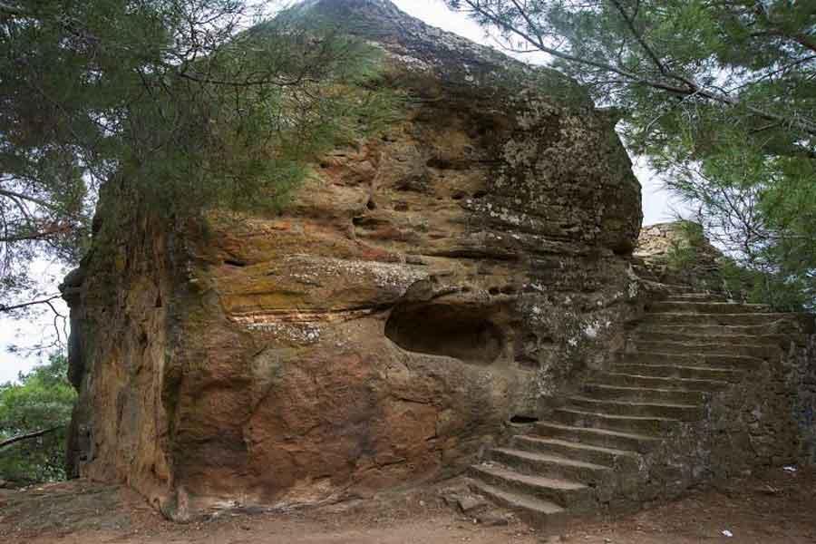 Adatepe – Zeus Altari