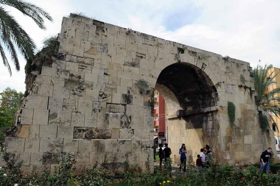 Cleopatra_Gate_in_Tarsus