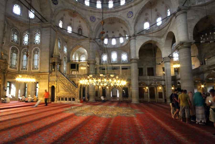 Eyup_sultan_camii_interior_Istanbul