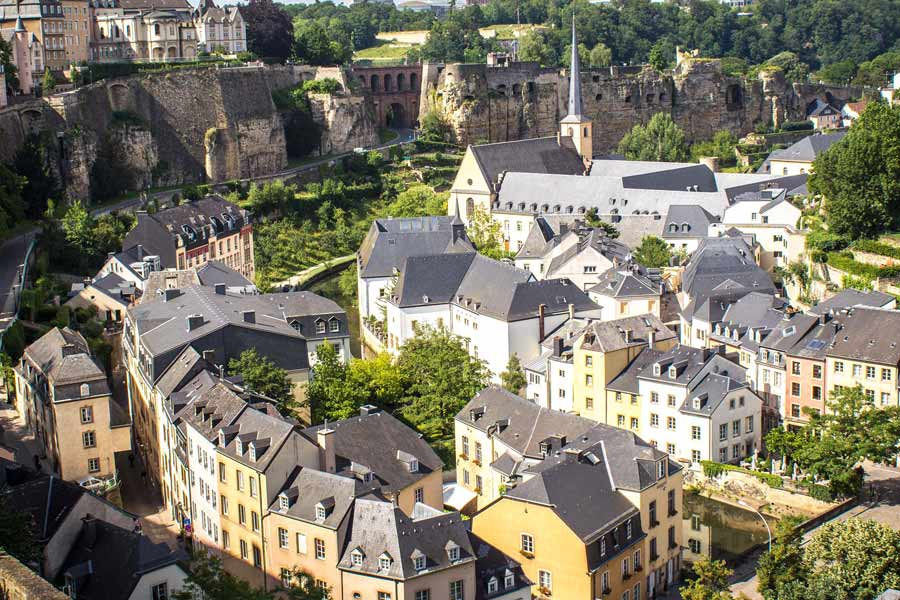 Luxembourg-feat