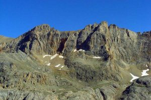 Rocky_hills_in_Bolkar_Mts