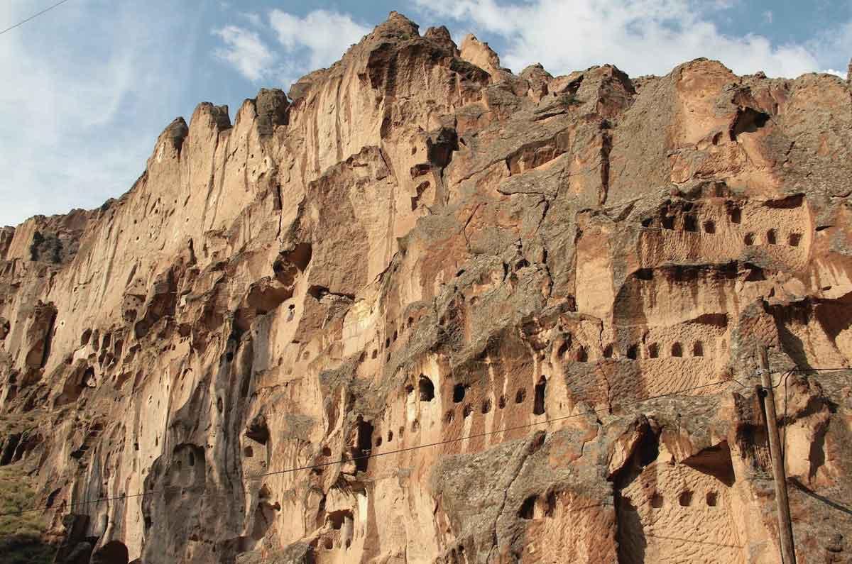 soganli-valley-a-miniature-cappadocia